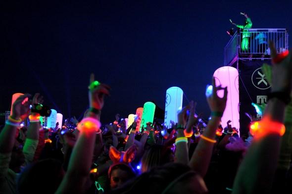 Blacklight Party DJ