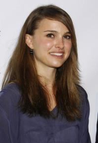 LOS ANGELES, CA - JANUARY 24: Natalie Portman arrives at the 20th Annual Producers Guild Awards at The Hollywood Palladium on January 24, 2009 in Los Angeles, California. (Photo by Jeffrey Mayer/WireImage)