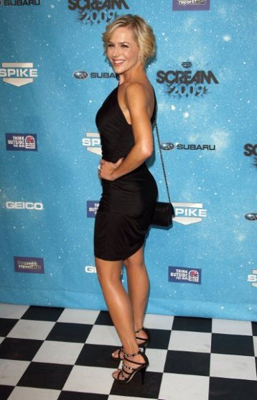 89449_julie_benz_celebrity_city_2009_spike_tv_scream_awards_10-17-09_632_122_45lo