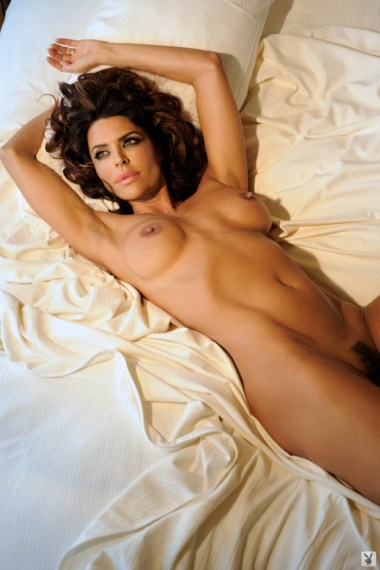 lisa-rinna-nude-pictures-015