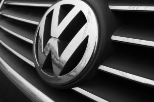 VW badge - Gerry Lauzon (Creative Commons 2.0)