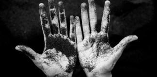 Ετσι θα τα καθαρίσεις τα πολύ βρόμικα χέρια