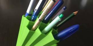 Στυλό και μαρκαδόροι σωστά τοποθετημένα