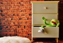 Τι κάνεις αν μαγκώσει το συρτάρι του γραφείου