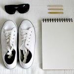 Καθαρίζω τα άσπρα αθλητικά παπούτσια