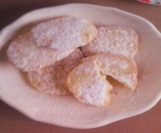 Φτιάχνουμε μπισκότα με λεμόνι