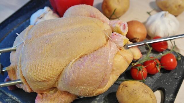Αν μυρίζει το κοτόπουλο