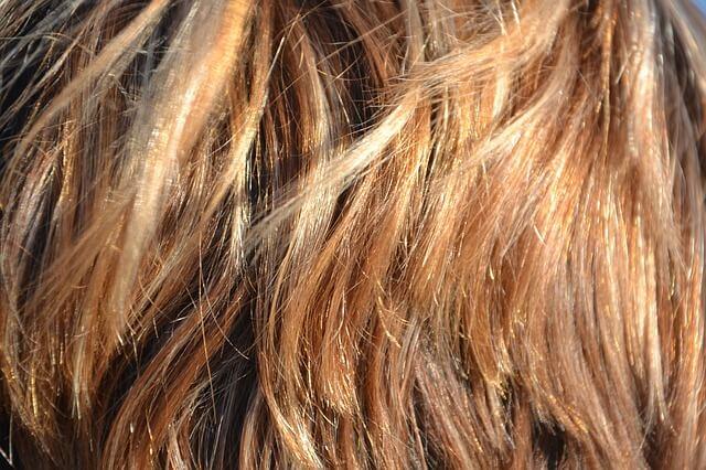 Βάφουμε τα μαλλιά μόνες μας