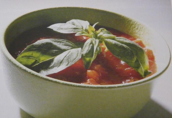 Σάλτσα ντομάτας με βασιλικό – νόστιμη συνταγή