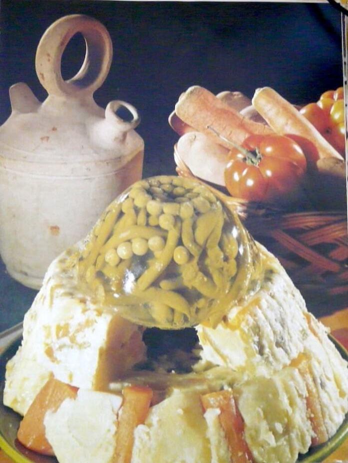 Σαλάτα ρωσική σε φόρμα –  νόστιμη συνταγή