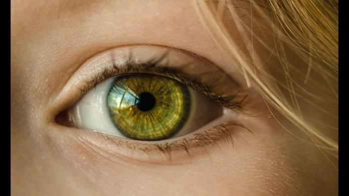 11 κόλπα για πρησμένα βλέφαρα – πρησμένα μάτια