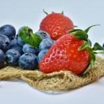 Γιατί τρώμε φράουλες και μύρτιλλα