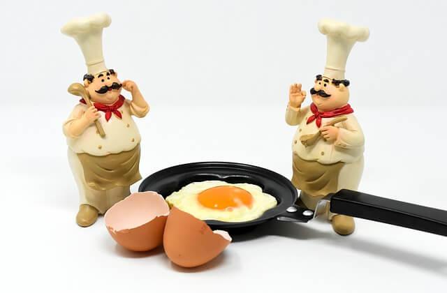 Τι κάνεις για να μη κολλήσουν στο τηγάνι