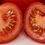 Νόστιμες ντομάτες με τις τσουκνίδες