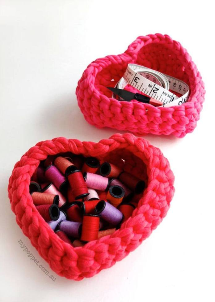 Πως να πλέξετε με βελονάκι ένα καλαθάκι σε σχήμα καρδιάς