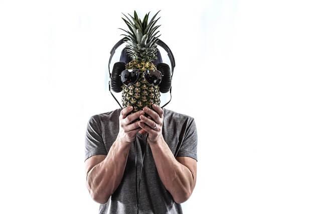 Μήπως σε παιδεύουν τ' ακουστικά;