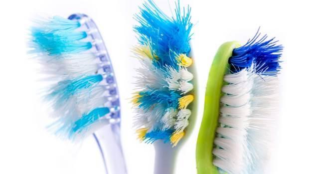 Οι χρήσιμες παλιές οδοντόβουρτσες
