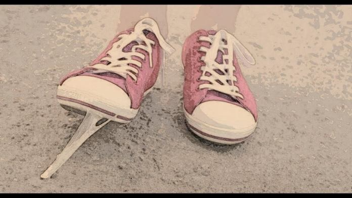 Πως θα βγάλεις την τσίχλα που κόλλησε στο παπούτσι
