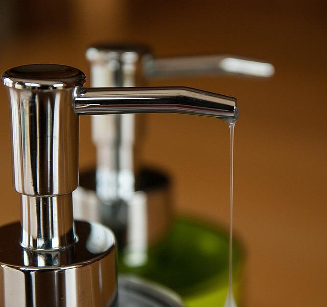 Φτιάξτε υγρό σαπούνι για το ντους