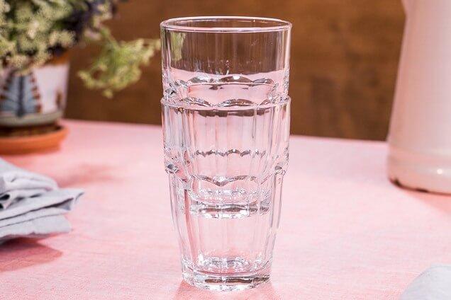 Αν σφηνώσουν τα ποτήρια, κοίτα να μη τα σπάσεις.