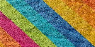 Για να διατηρηθούν τα χρώματα στις πετσέτες του μπάνιου