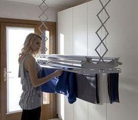 Αν τα ρούχα πρέπει να στεγνώσουν μέσα στο σπίτι