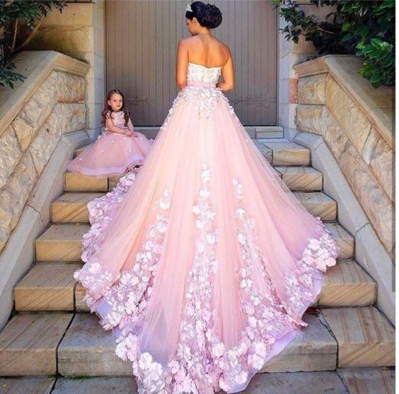 Η νύφη ντύθηκε στα ροζ - 7 ροζ νυφικά