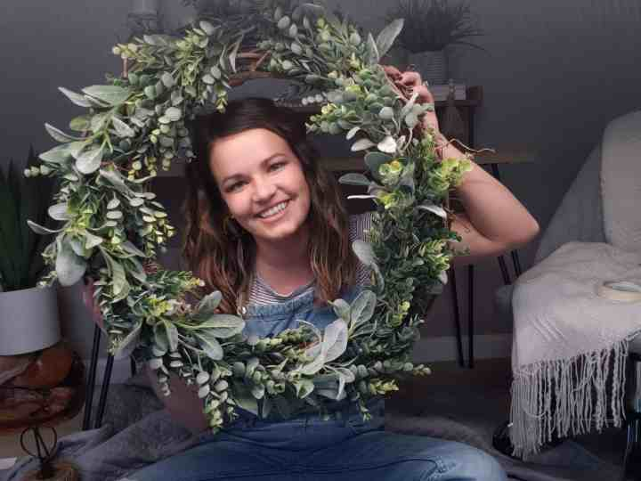 How to Make the EASIEST WREATH Ever