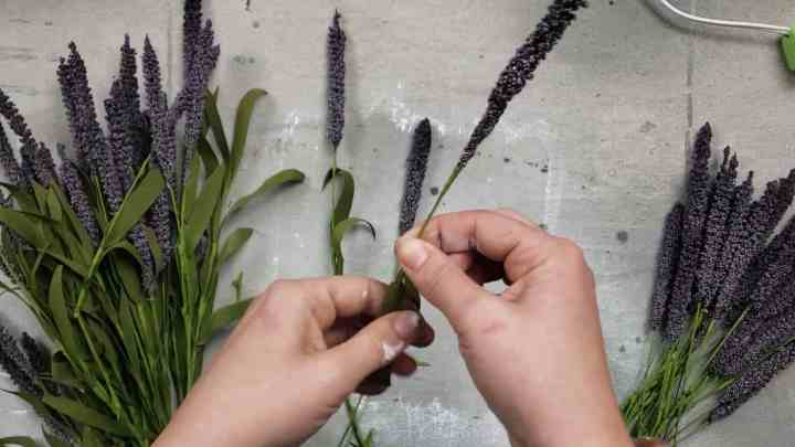 photo of lavender stems being prepped for lavender wreath tutorial
