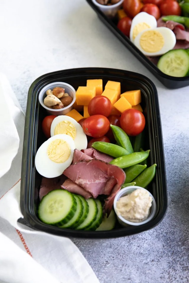 No Microwave-Meal-Prep-Snack-Trays