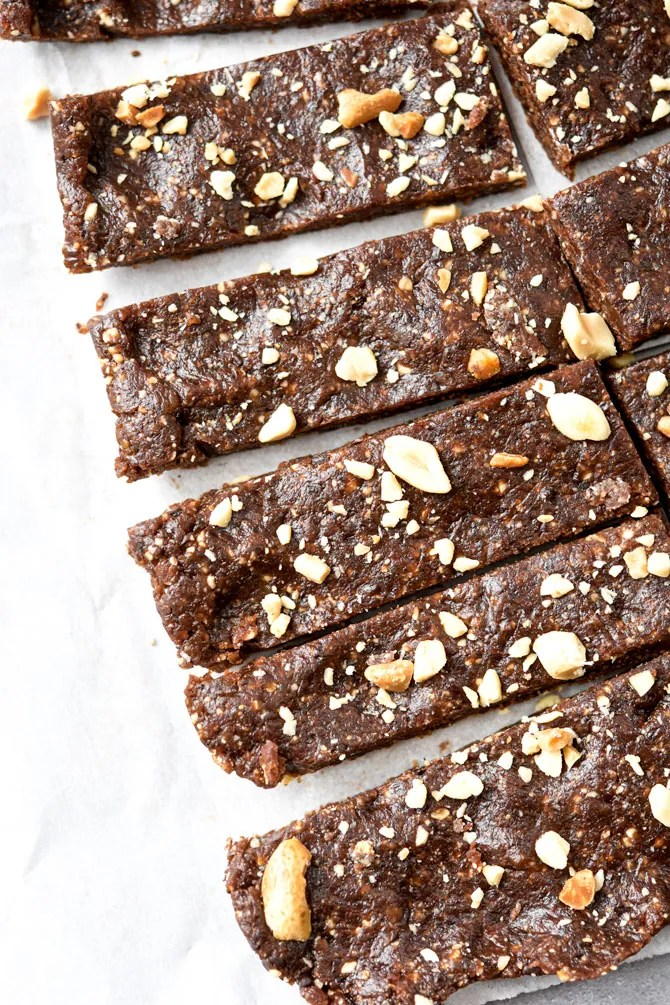 Easy-No-Bake-Energy-Bars-Close-up-tray