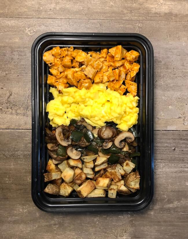Read more about the article Buffalo Chicken Breakfast Bowls