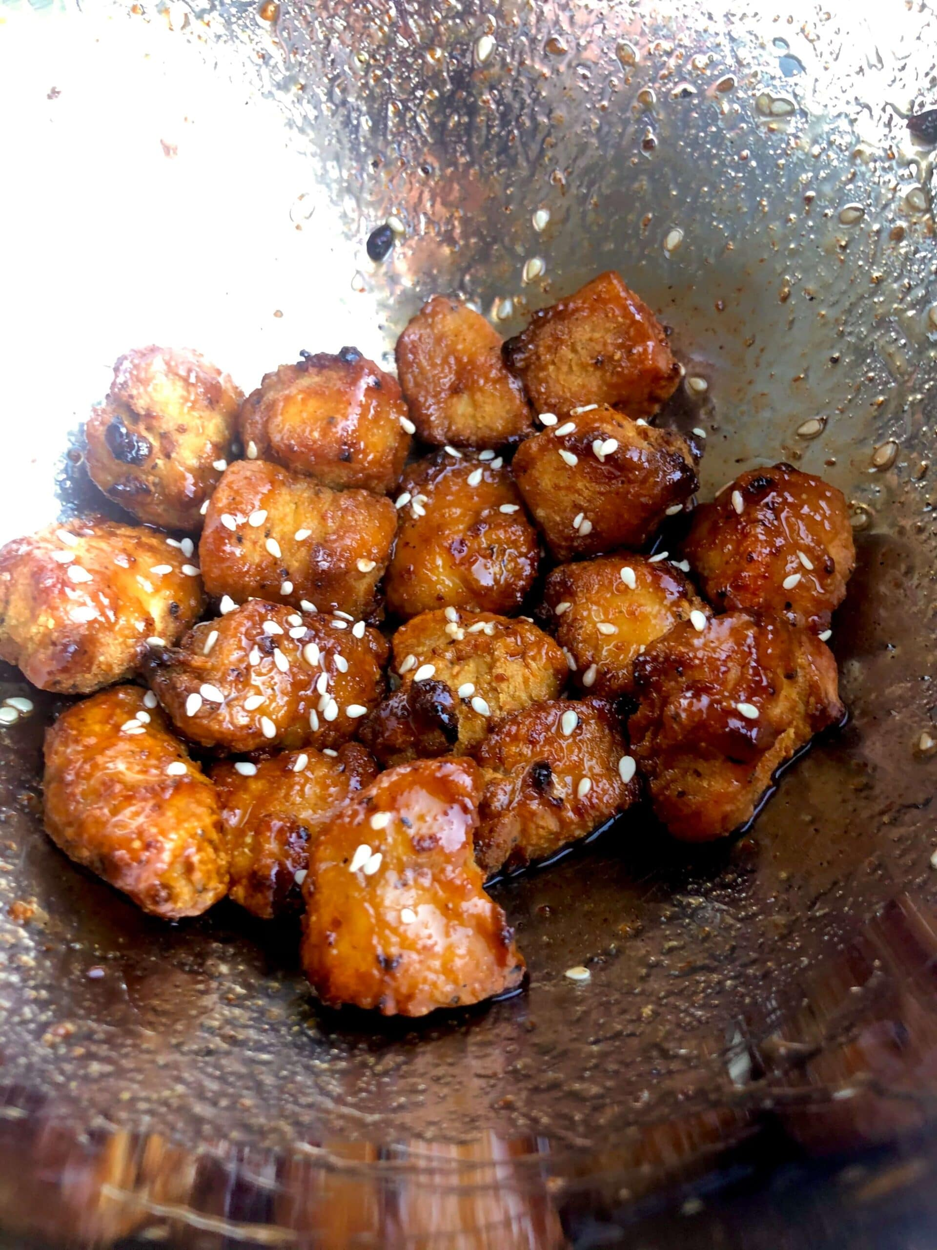 Read more about the article Maple Sriracha Boneless Wings
