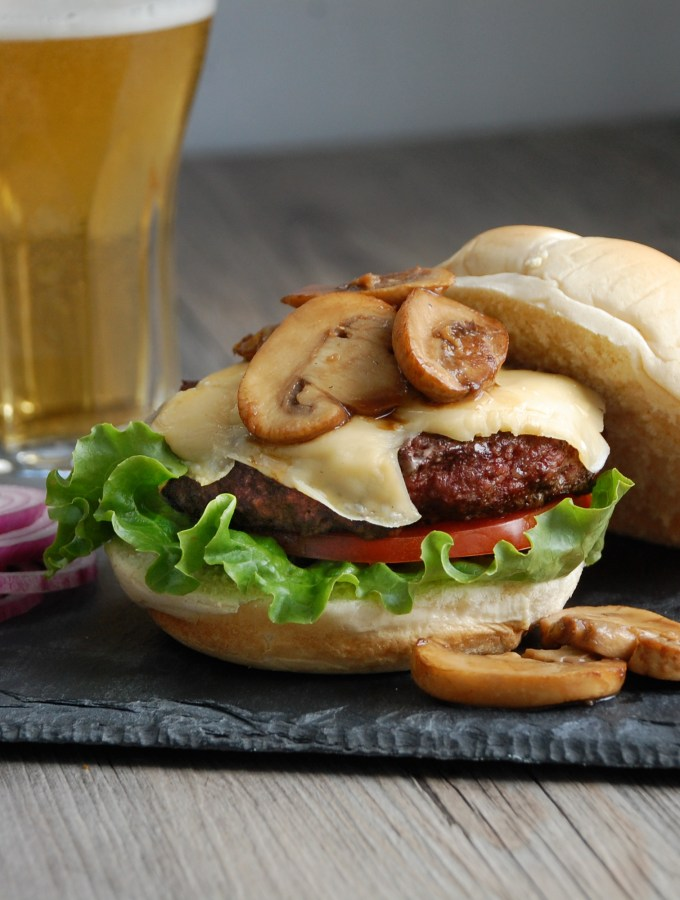 Beemster Burgers with Balsamic Mushrooms