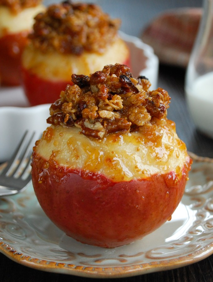 Fig & Granola Baked Apples
