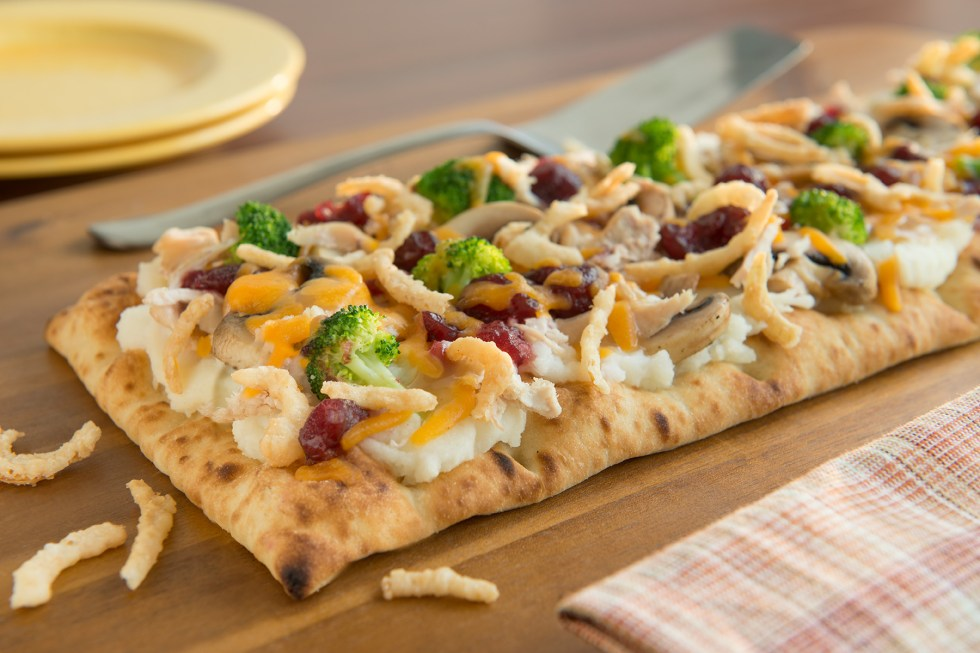 Thanksgiving Leftovers' Pizza
