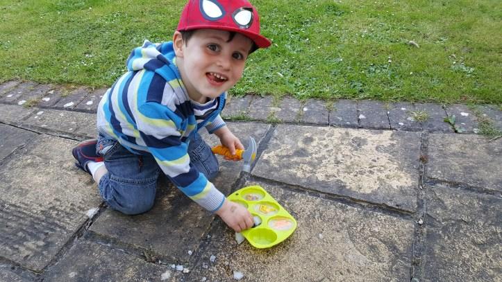 how to make easter egg sensory ice play eggs