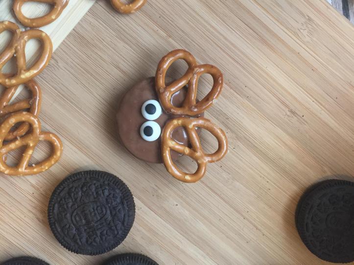 chocolate no bake christmas oreo reindeer cookies fun food ideas for kids