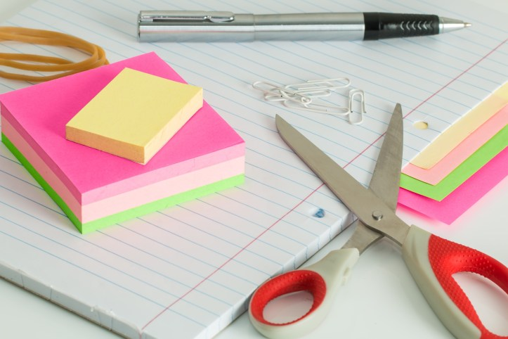 write a list on post it notes to keep organised