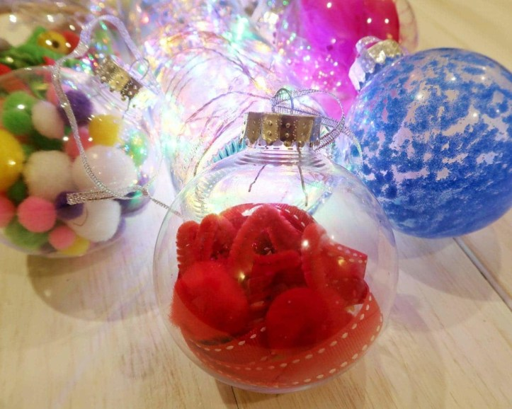 Christmas Sensory Baubles - craft activity to make with kids this Christmas