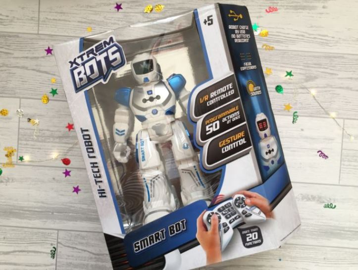 Xtrem smart bot robot toy in the box