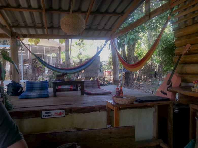Jungle Cafe, Pai