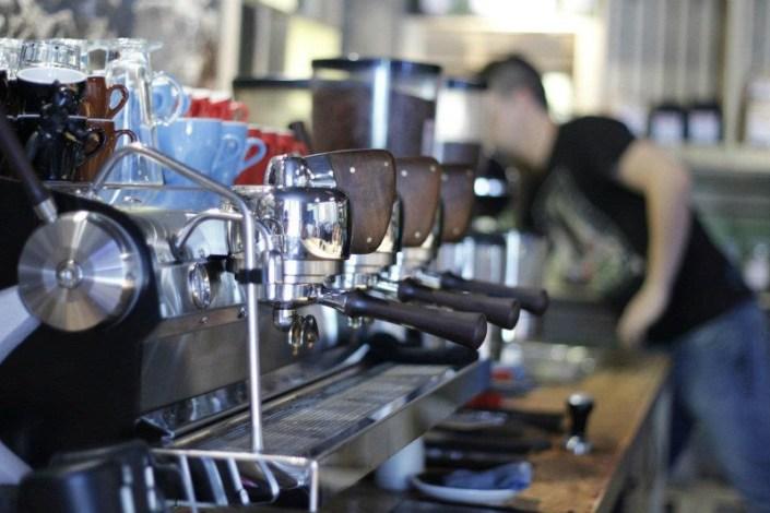 athens coffee, tailor made, greece - meanderbug
