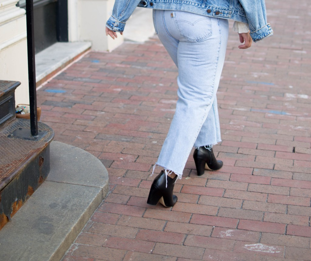 3 QUICK TIPS TO FINDING VINTAGE DENIM