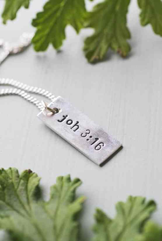 Handtillverkat smycke: Joh 3:16