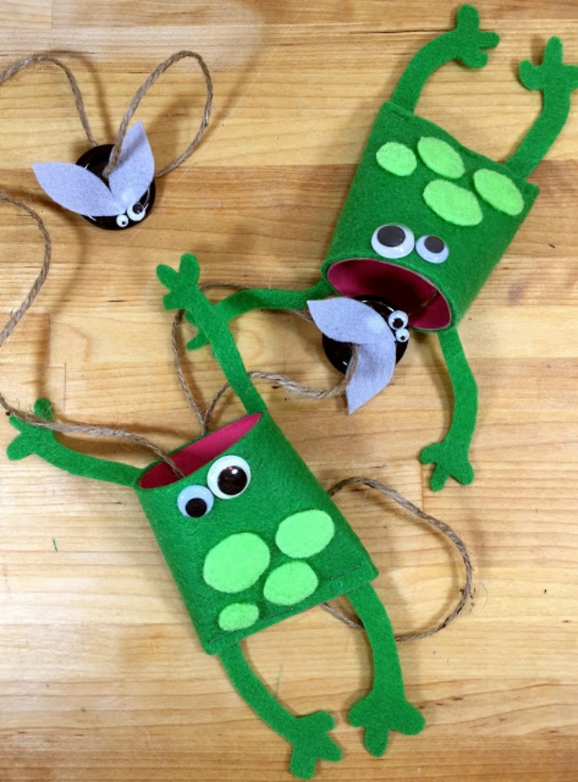 07-16 BETH WATSON DIY FROG BALL AND CUP GAME SCOUT CRAFTS main