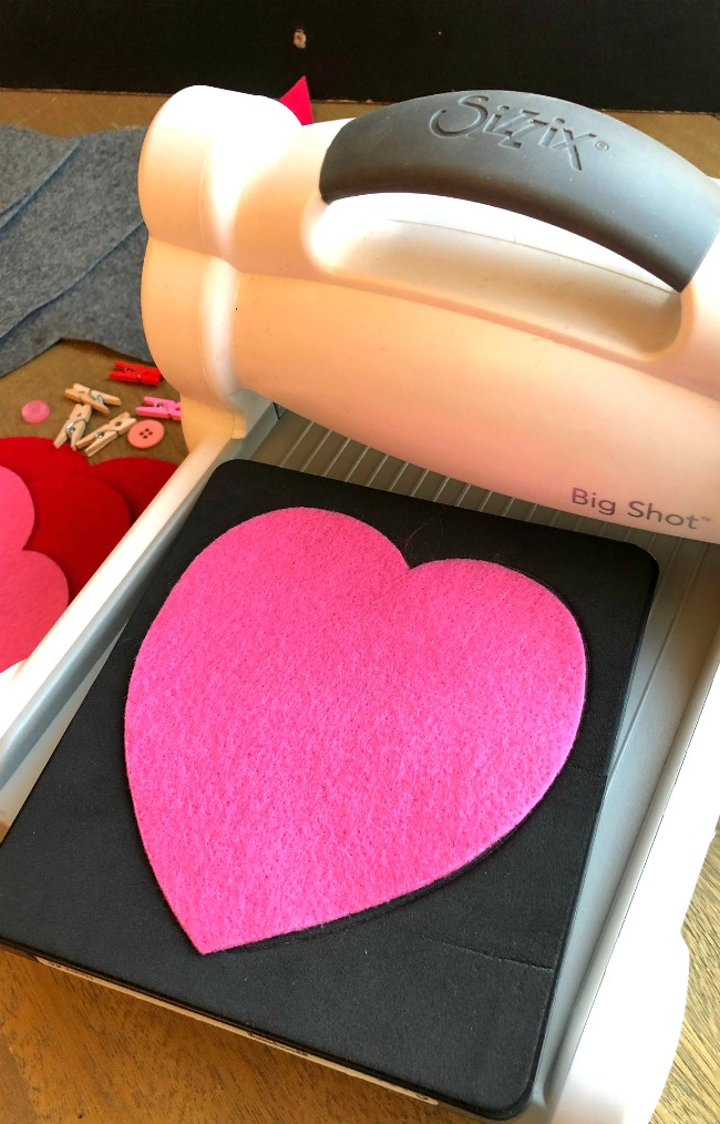 Sizzix Heart #5 Die Laura Kelly