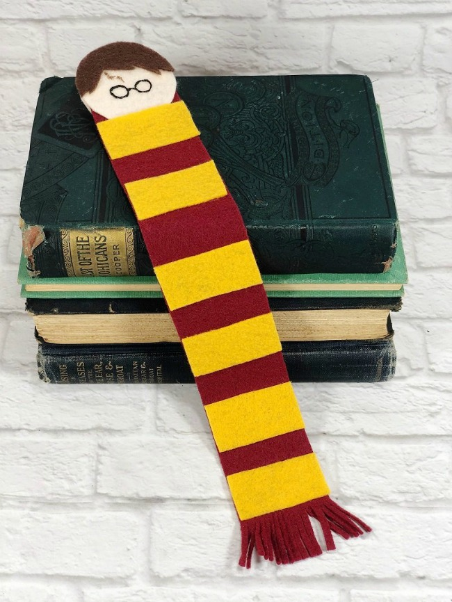 HARRY-POTTER-FELT-BOOKMARK-CREATIVELY-BETH-12
