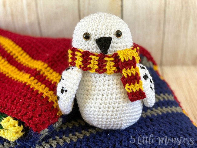 Hedwig Owl Crochet Pattern with Scarf