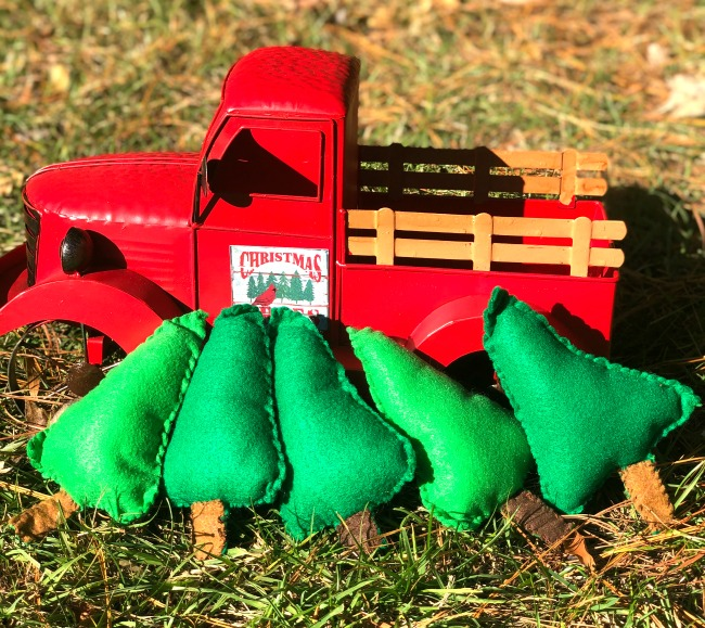 Felt Christmas Trees for Farm